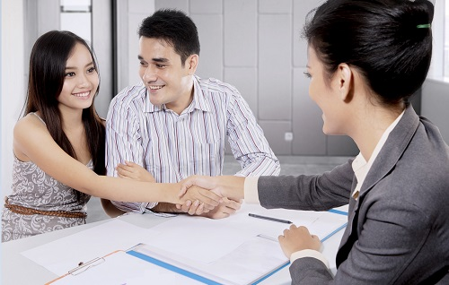 client ending a free consultation session with a singapore civil lawyer